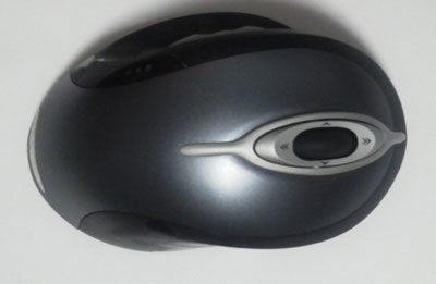 化学者が教えるマウスやマウスパッドをきれいに掃除する方法