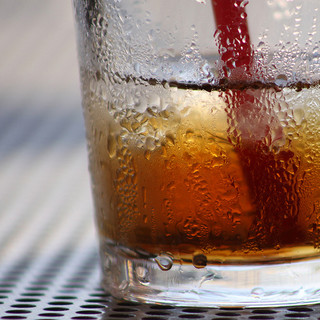 よく冷えた飲み物を夏のオフィスで楽しみたいなら、真空タンブラーが絶対おすすめ
